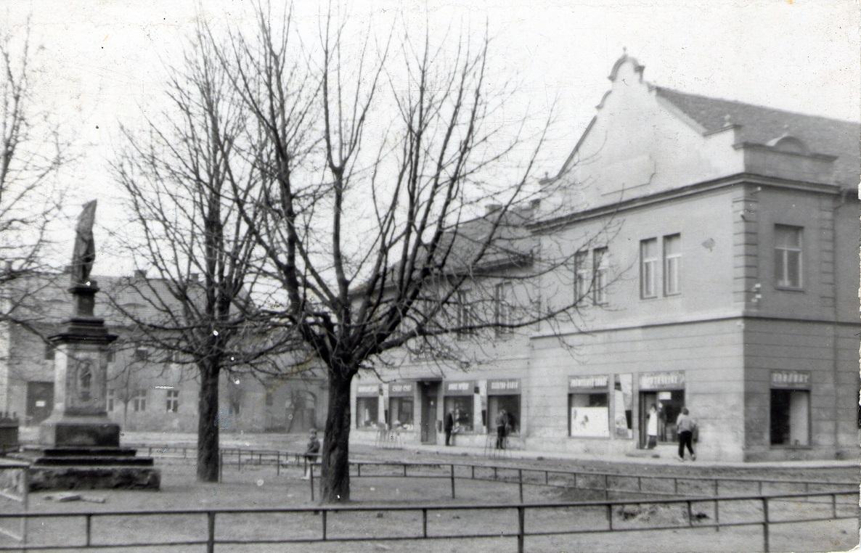 Nákup. středisko - konec 60. let 20. stol.