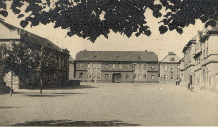 Náves - severní strana - 30. léta 20. stol.
