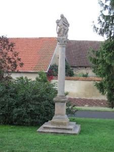 Strupčice - Pieta na sloupu (klášterecká)